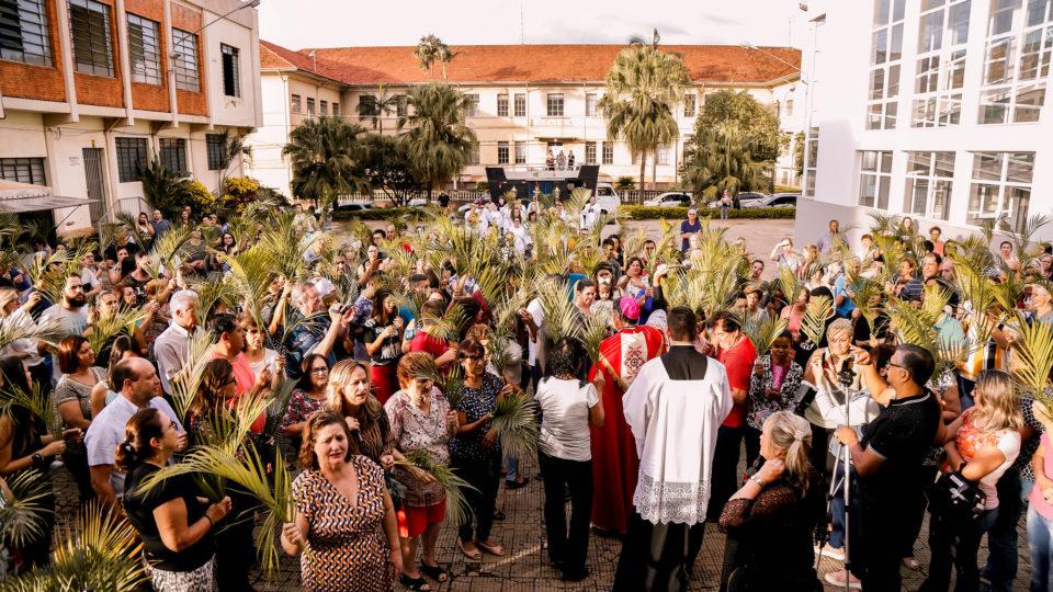 Bispo Diocesano celebra Solenidade do Domingo de Ramos no Vicariato Nossa Senhora do Patrocínio