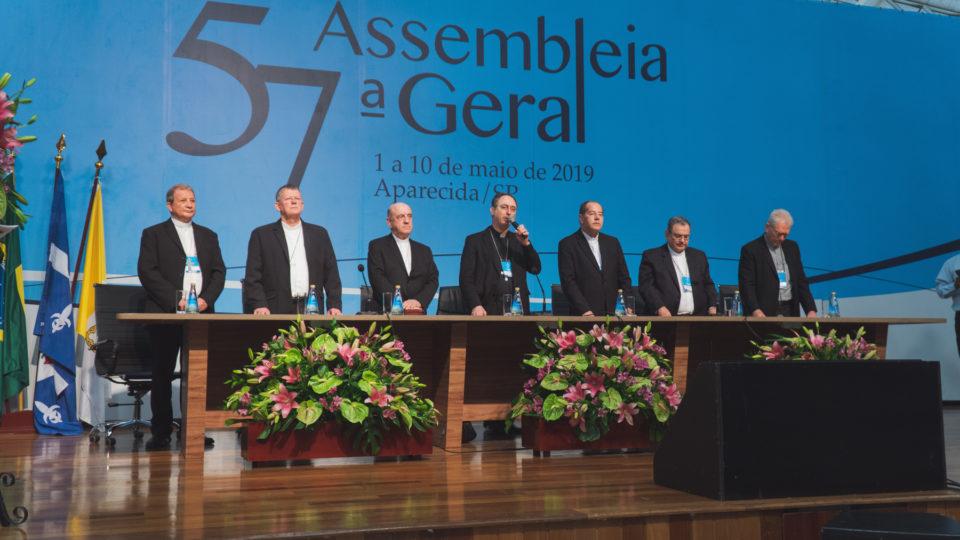 Nova presidência da CNBB toma posse em Cerimônia de Encerramento da 57ª Assembleia Geral