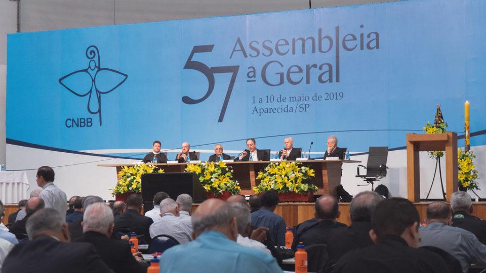 2º dia da 57ª AG da CNBB vai atualizar a missão das 12 Comissões Episcopais Pastorais da Entidade