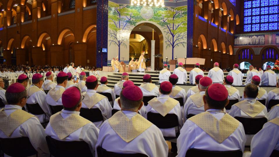 Em Aparecida, missa no Santuário marca o início da 57ª Assembleia Geral da CNBB