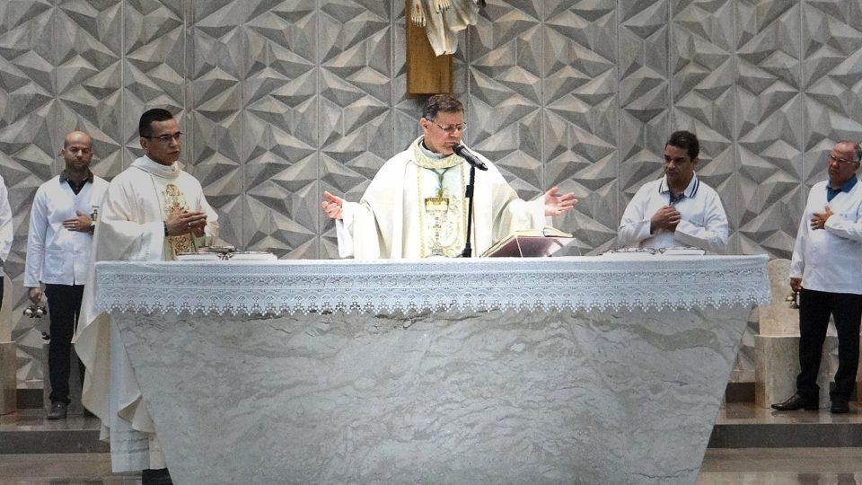 Dom Paulo Cezar preside missa de reinauguração da Paróquia Santa Cruz em Matão