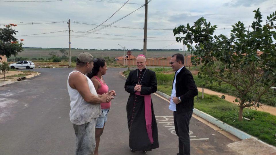 Vale Verde em Araraquara recebe visita do Bispo Auxiliar
