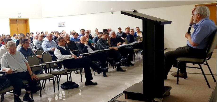 Atualização teológica do clero da Diocese de São Carlos