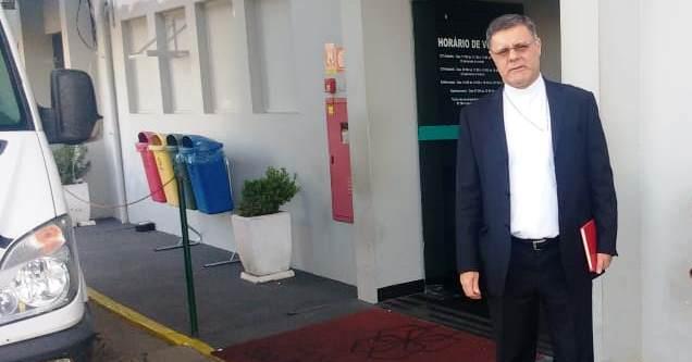 Dom Paulo Cezar visita Padre Benedito Aparecido Firmino da Silva