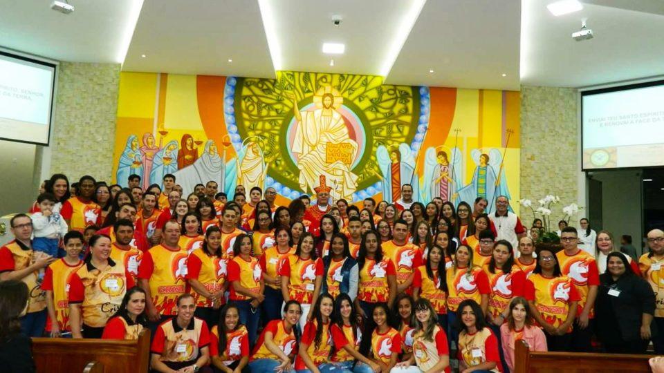 Bispo Diocesano preside Sacramento da Crisma no Santuário de Nossa Senhora Aparecida em Barra Bonita