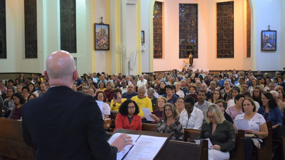 ENCONTRO DE FORMAÇÃO MISSIONÁRIA NO VICARIATO SÃO CARLOS BORROMEU