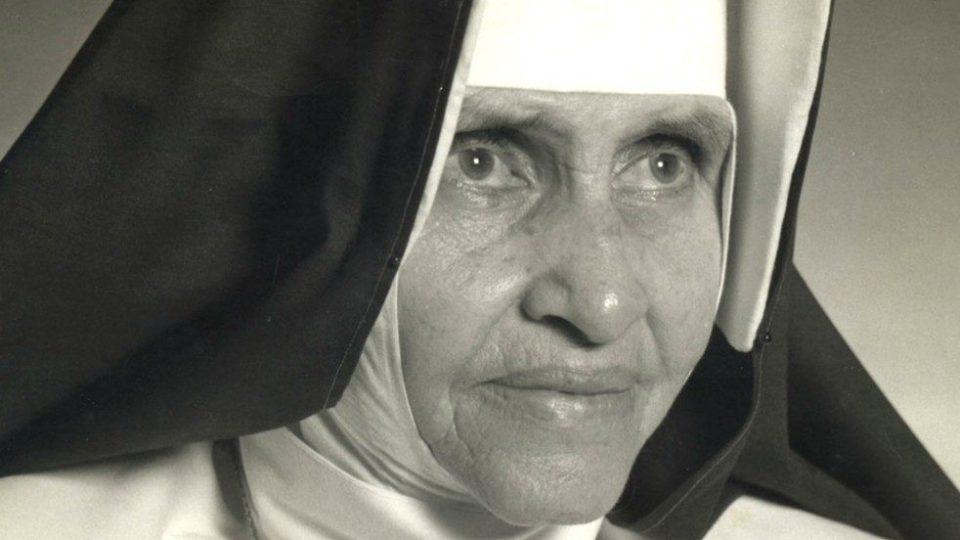 Primeira santa brasileira: Irmã Dulce será canonizada em 13 de outubro