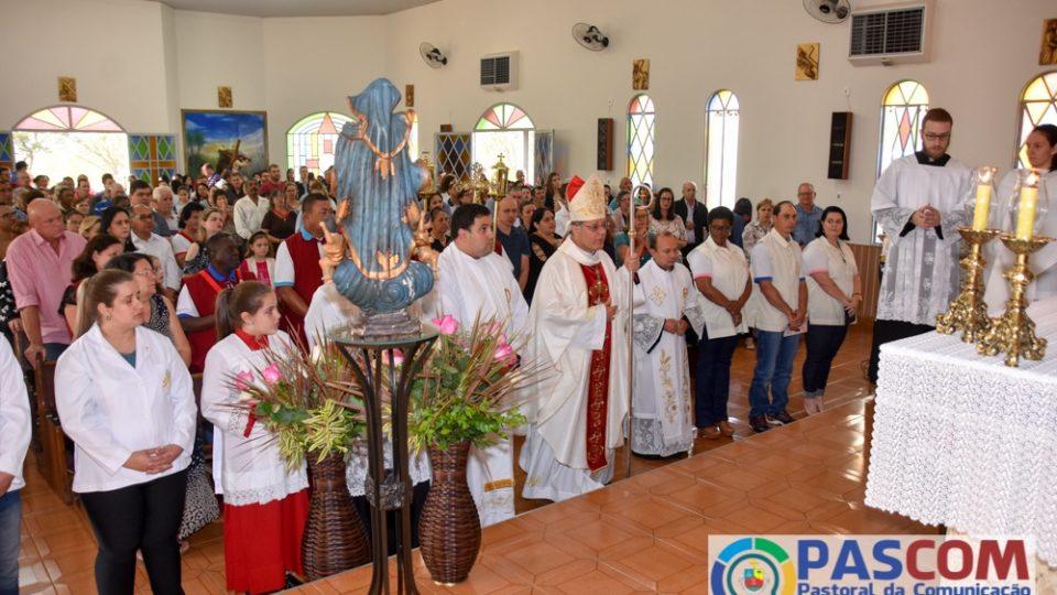 Dom Paulo Cezar visita a Igreja Nossa Senhora Aparecida durante a Visita Pastoral em Borborema