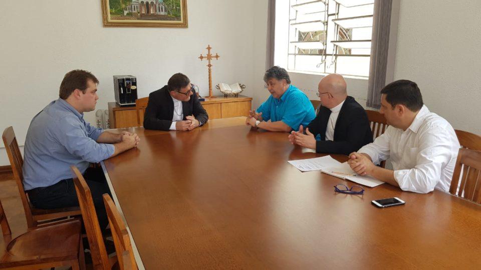 Bispos receberam autoridades de São Carlos em audiência