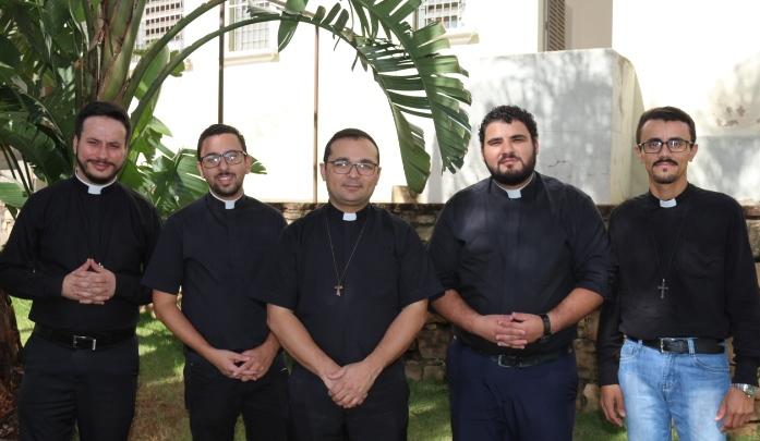 No mês dedicado a São Carlos Borromeu Diocese vai ganhar 5 novos padres