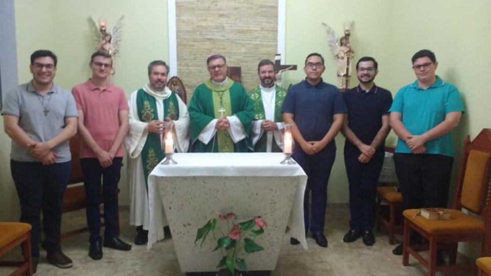 Seminário Propedêutico Rainha dos Apóstolos recebe visita de Dom Paulo Cezar