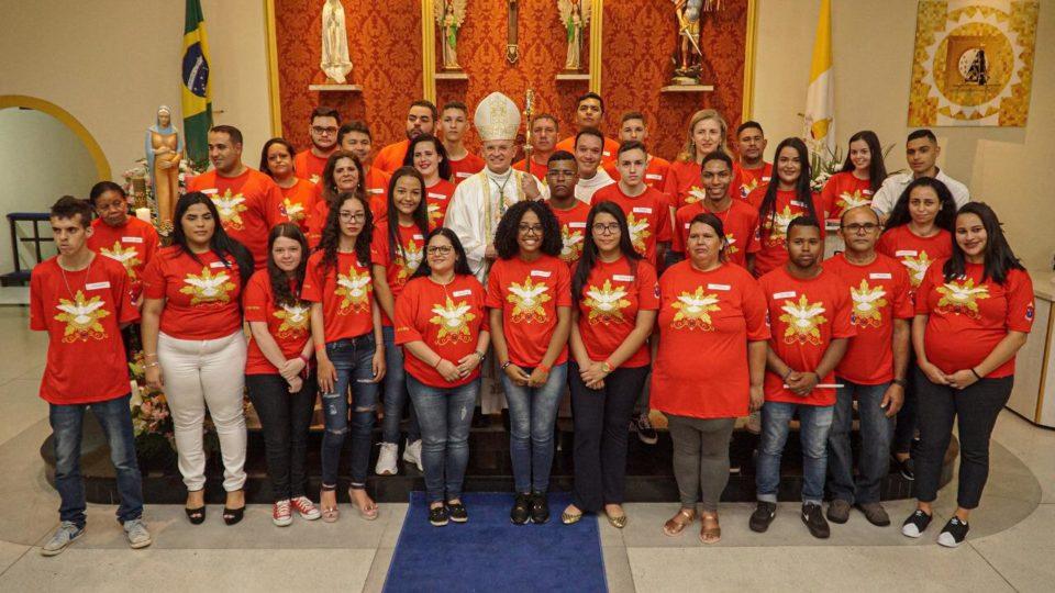 Dom Eduardo Malaspina preside Crisma na Paróquia São Miguel em São Carlos
