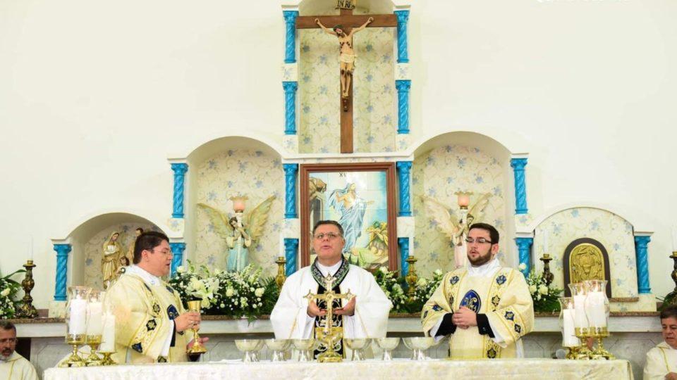 Seminaristas Caio Rodrigues e Julio César são ordenados Diáconos