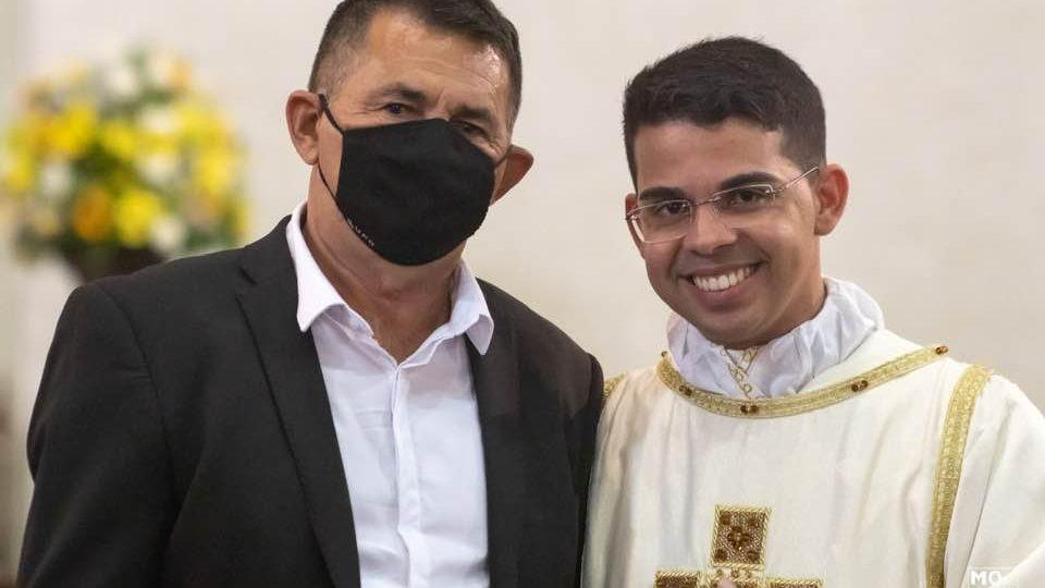 Comunicamos o falecimento do senhor José Ribeiro Pai do Diácono Ueriques Santos