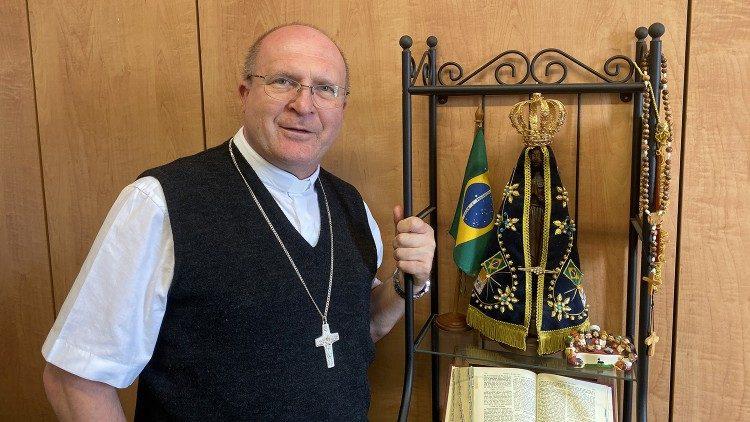 Francisco é um grande catequista, afirma dom José Peruzzo