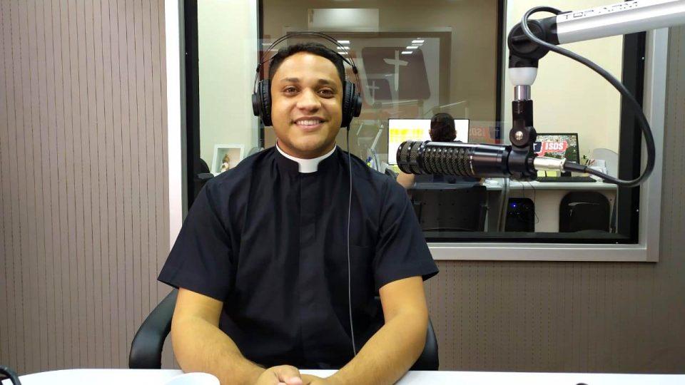 Padre Fabricio fala sobre o Ministério de Catequista instituído pelo Papa Francisco