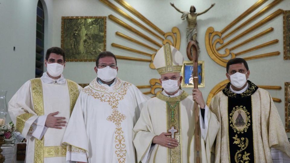 Dom Eduardo Malaspina preside Santa Missa na Paróquia Nossa Senhora Aparecida em Araraquara