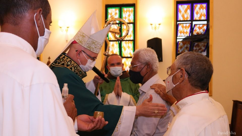 Capela Nossa senhora do Bom Conselho recebe Dom Eduardo Malaspina para o Sacramento da Crisma