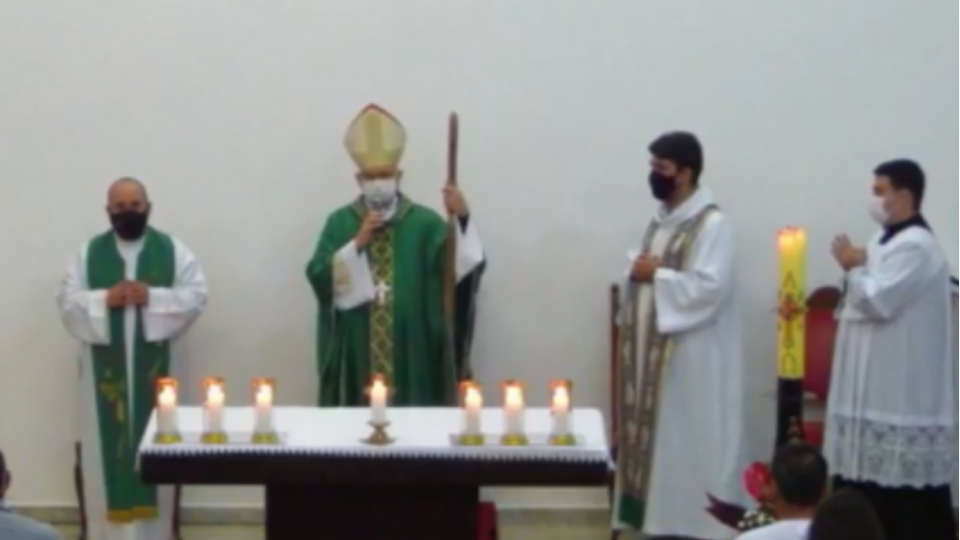 Dom Eduardo Malaspina preside missa na Paróquia São João Paulo II