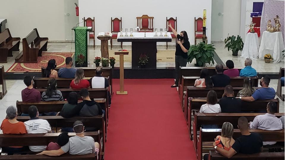 Paróquia São João Paulo II em São Carlos promove Encontro de Casais