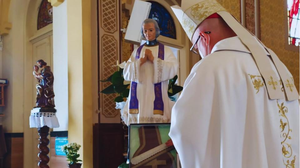 Santuário São Pio X recebe relíquia de são João Maria Vianney